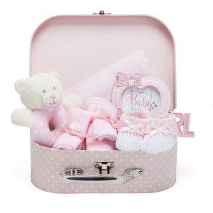 Maletita con regalos para niñas